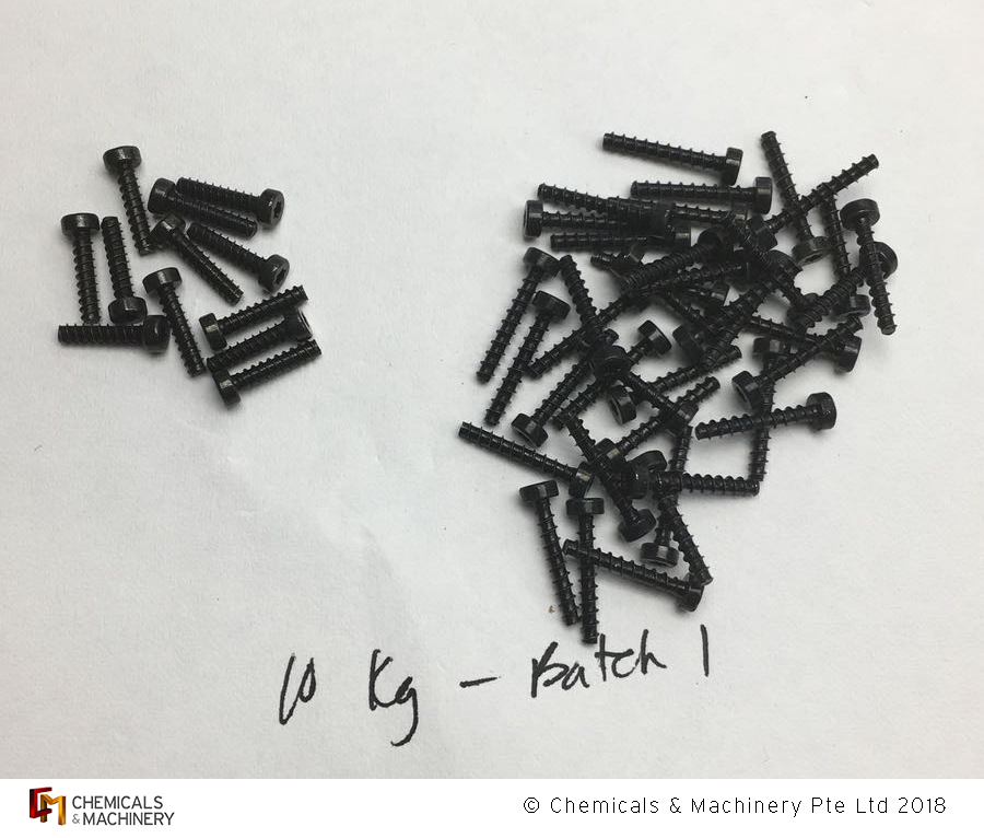 Comparison between two samples of screws - one with our plating chemistries (R) and the other with our competitor's